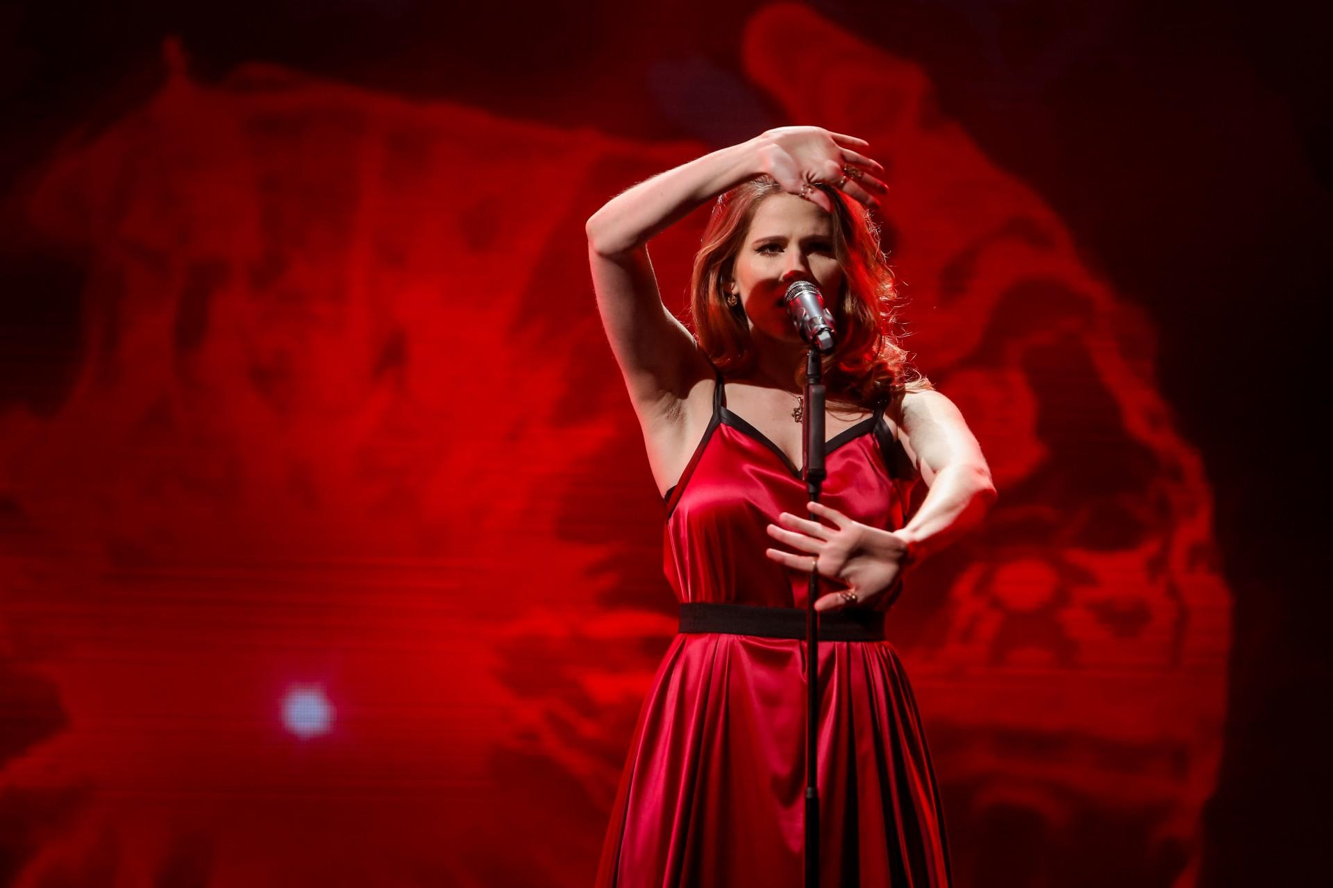 Видео клипы к песне подбираются автоматически сайтом bronnitsy-montaz.ru возможны некоторые несоответствия клипов песне.