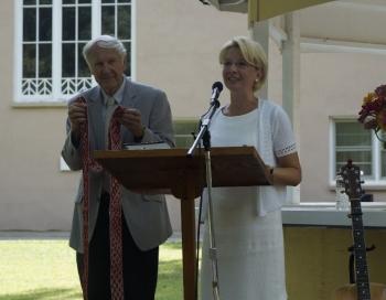 Ināra Mūrniece Ņūdžersijas latviešiem pateicas par latvietības saglabāšanu