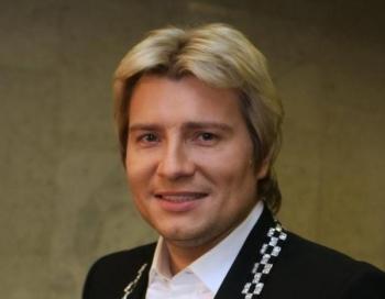 Nikolajam Baskovam superseksīga draudzene