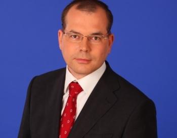 Skandalozais deputāts Andrejs Mamikins kļuvis par sievieti