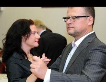 Veselības ministrs Belēvičs ar gultas biedreni atkal ārzemēs par nodokļu maksātāju naudu
