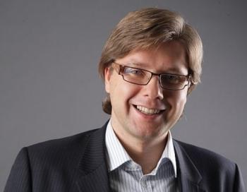 Nils Ušakovs šokē apsveicot tautu Jaunajā gadā