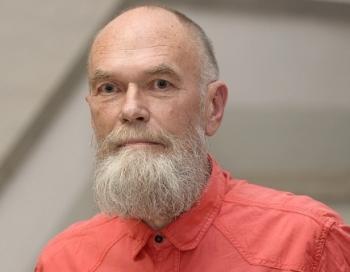 Mākslinieks Ilmārs Blumbergs aizsoļojis mūžībā