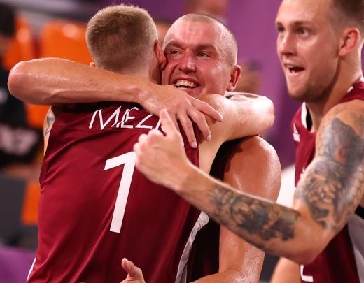 Olimpiskais zelts cīņā pret Krieviju! Par spīti savainojumiem un dramatiski grūtai spēlei