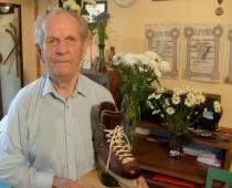 100 gadu vecumā mūžībā devusies Latvijas hokeja leģenda Elmārs Bauris