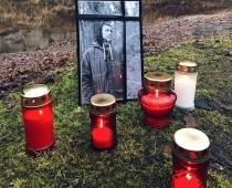 Niks Eleksis. 27 gadi un mīklaina nāve. No autosportista atvadās 2 km garā autokolonnā