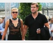 Skandalozais sieviešu izmīlētājs, Zeltiņas un Šomases eks-mīļākais izņirgājas par ar koronavīrusu smagi saslimušo fotogrāfu