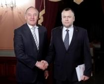 Ar COVID-19 pāragri mūžībā aizsaukts Šlesera partijas 'lokomotīve' Arnis Cimdars